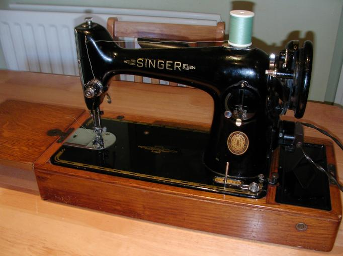 Vintage Sewing Machine Help The Fedora Lounge Beauteous Vintage Singer Sewing Machine For Sale